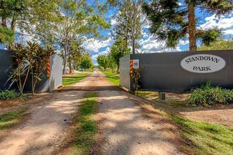The entrance to Standown Caravan Park.