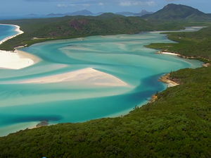 Drone footage of the Whitsundays.