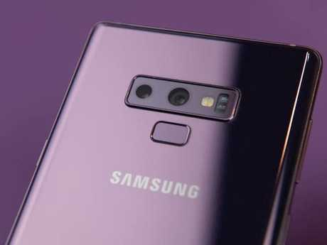 The Samsung Galaxy Note 9 moves the fingerprint sensor beneath the camera lenses. Picture: Jennifer Dudley-Nicholson