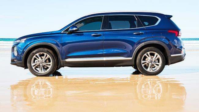 Fourth-generation Santa Fe: Re-engineered body and suspension and switchable AWD