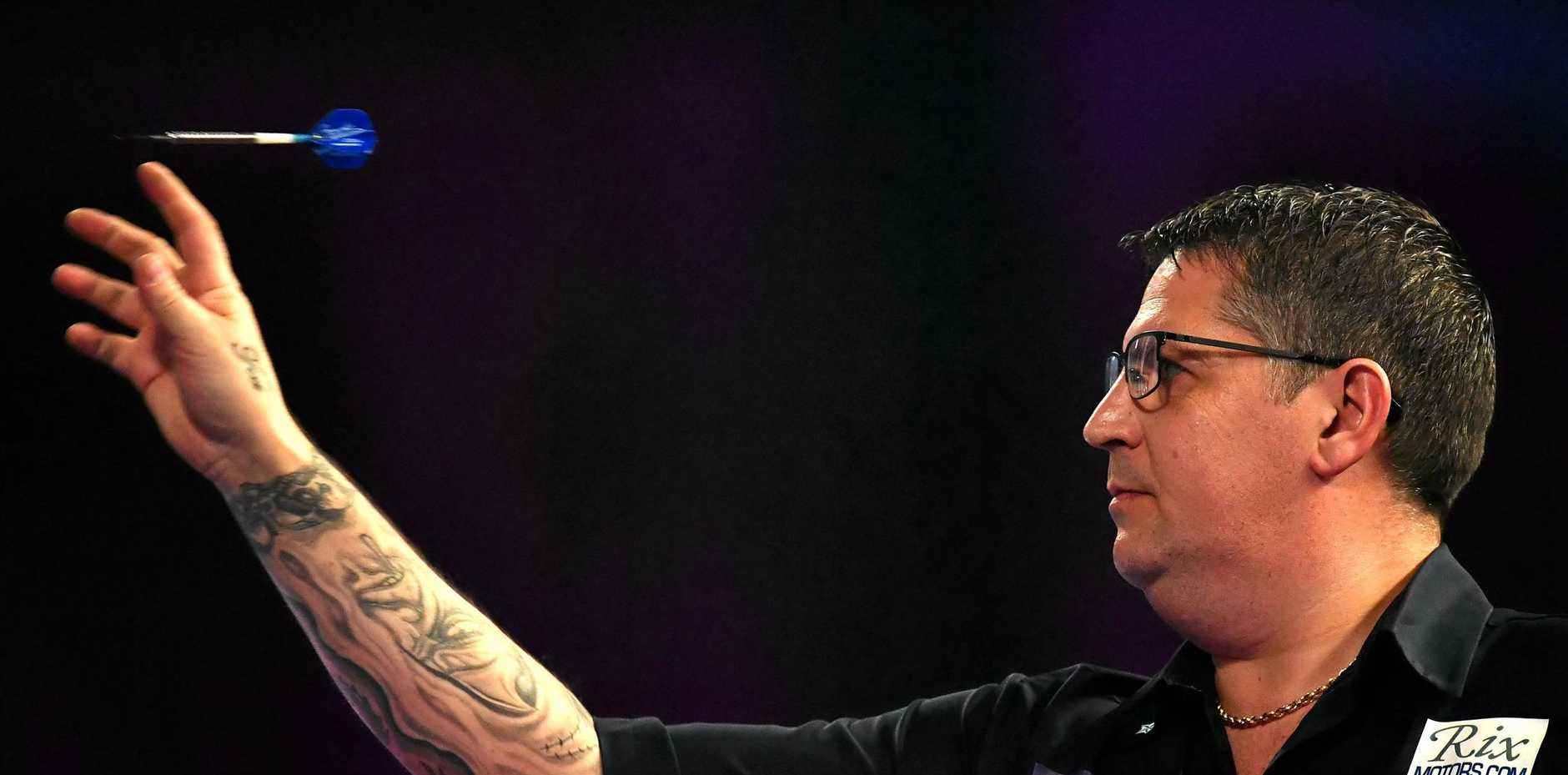 Gary Anderson is through to the semi-finals of the Melbourne Darts Masters.