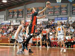 GALLERY: Meteors fire into QBL semi-finals
