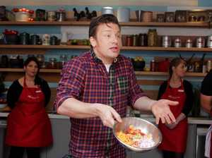 Jamie Oliver in Pisasale court mix