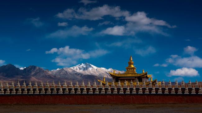 Ray Marsden had always wanted to travel to Tibet and Nebal.