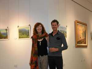 Gayndah gets behind a travelling artist