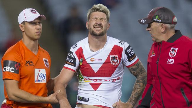 Gareth Widdop is out after dislocating his shoulder.