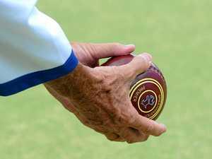 Players honour former bowls president