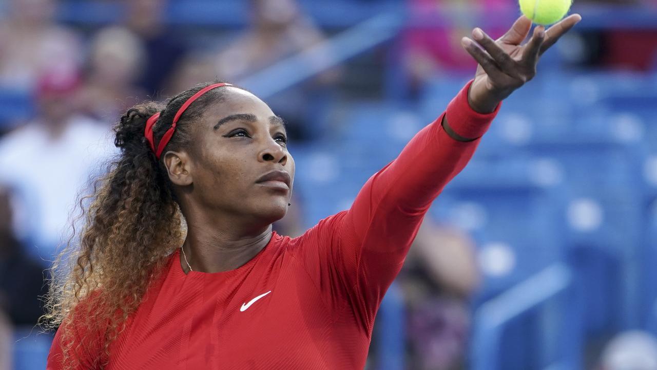 Serena Williams serves to Daria Gavrilova.