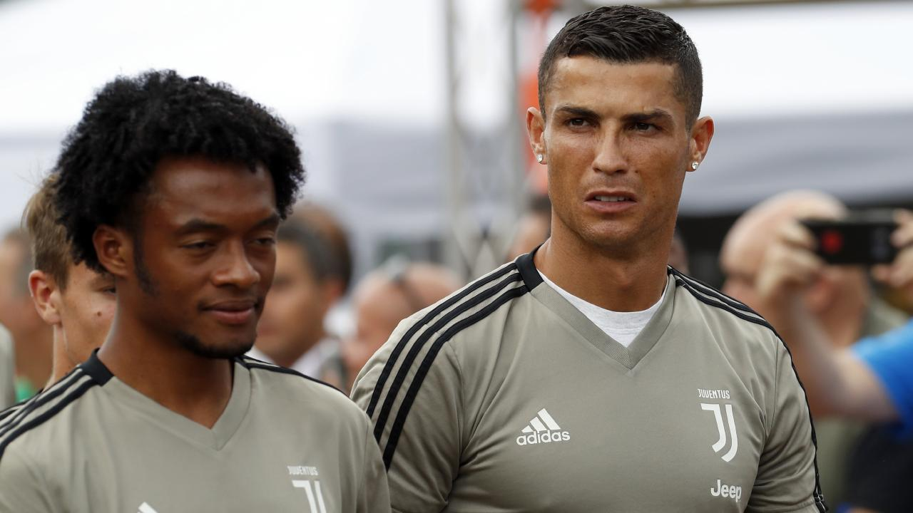 Football superstar Cristiano Ronaldo threatens to sue magazine after rape allegations.