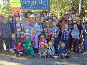 Eungella school rallies behind farmers battling drought