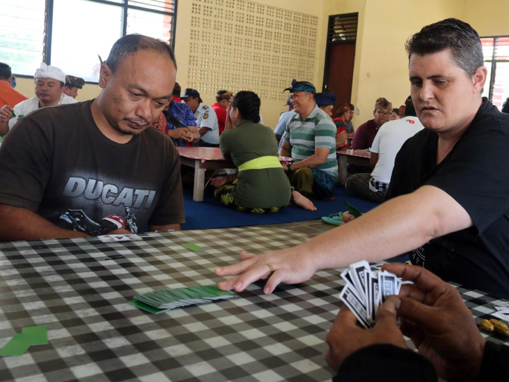 Jail boss' extraordinary move for Bali 9 duo   Daily Mercury