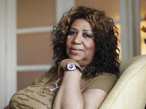 Aretha Franklins celebrity friends visit her bedside