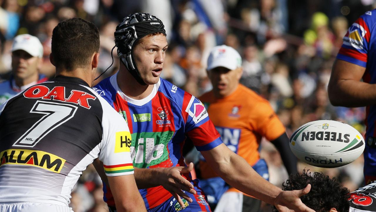 Kalyn Ponga showed he's just as dangerous at five-eighth. (AAP Image/Darren Pateman)