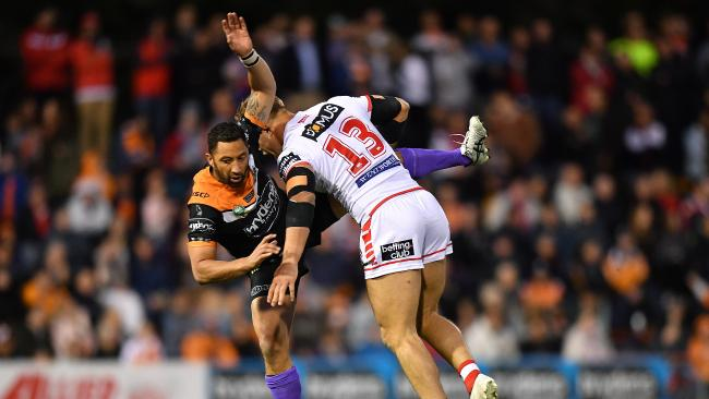 It wasn't to be for the Tigers who saw their finals hopes take a major hit. (AAP Image/Joel Carrett)
