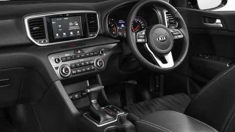 Sportage Si interior: Excellent fit and finish but plastics are cheap