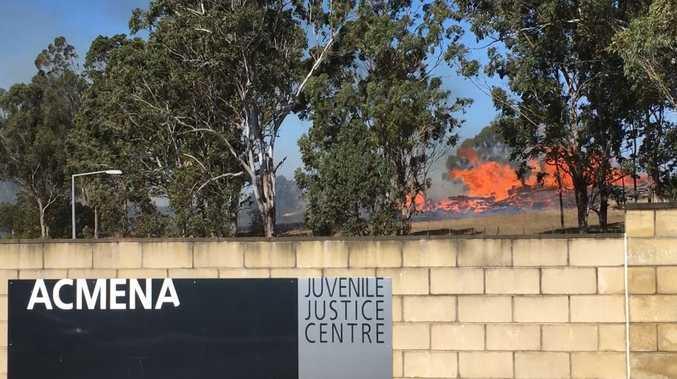 VIDEO: Bushfire threatens juvenile justice centre