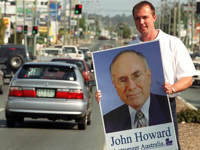 Peter Dutton campaigning in the seat of Dickson during the 2001 federal election.