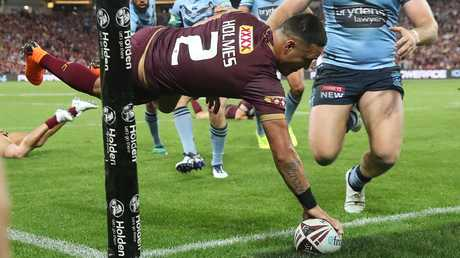 Valentine Holmes scoring a try for Queensland. Pic: Peter Wallis.