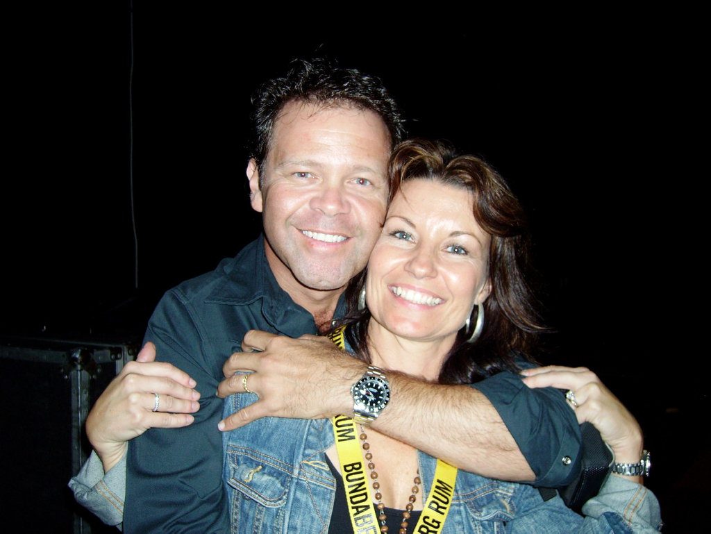 Troy Cassar-Daley and Laurel Edwards.