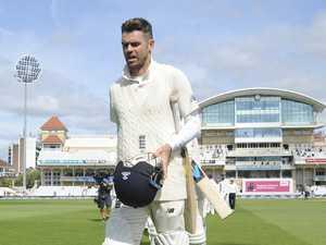Below-par Poms 'must hit back' after India pummeling