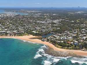 MOFFAT BEACH: Embodiment of Aussie character