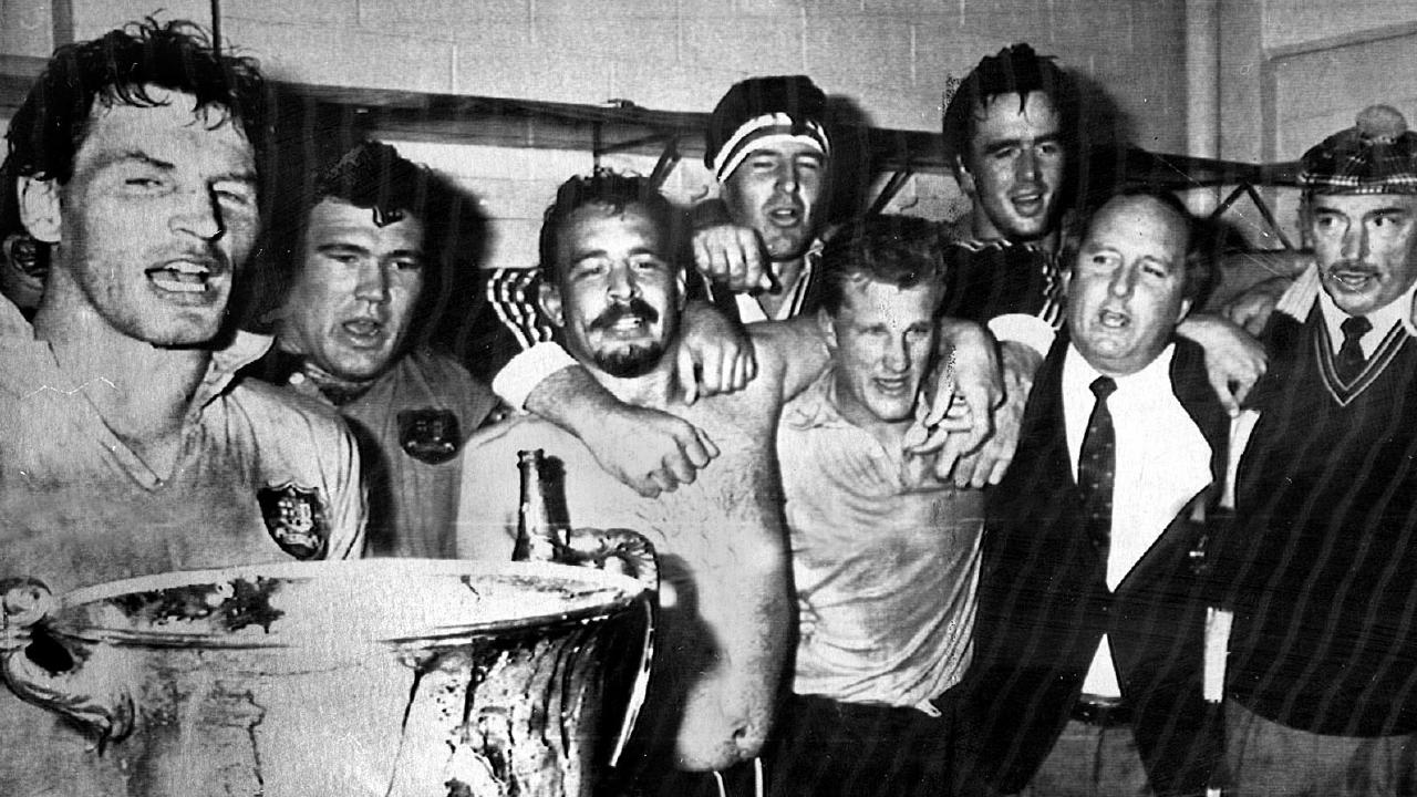 The Wallabies celebrate their 1986 Bledisloe Cup win over the All Blacks.