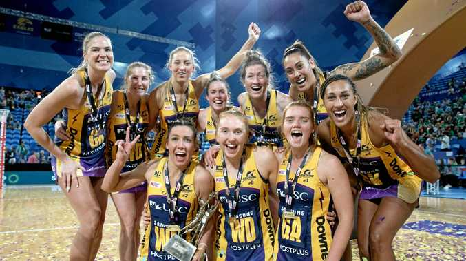Lightning players celebrate winning the Super Netball Grand Final between the West Coast Fever and the Sunshine Coast Lightning at Perth Arena in Perth, Sunday, August 26, 2018. (AAP Image/Richard Wainwright) NO ARCHIVING, EDITORIAL USE ONLY