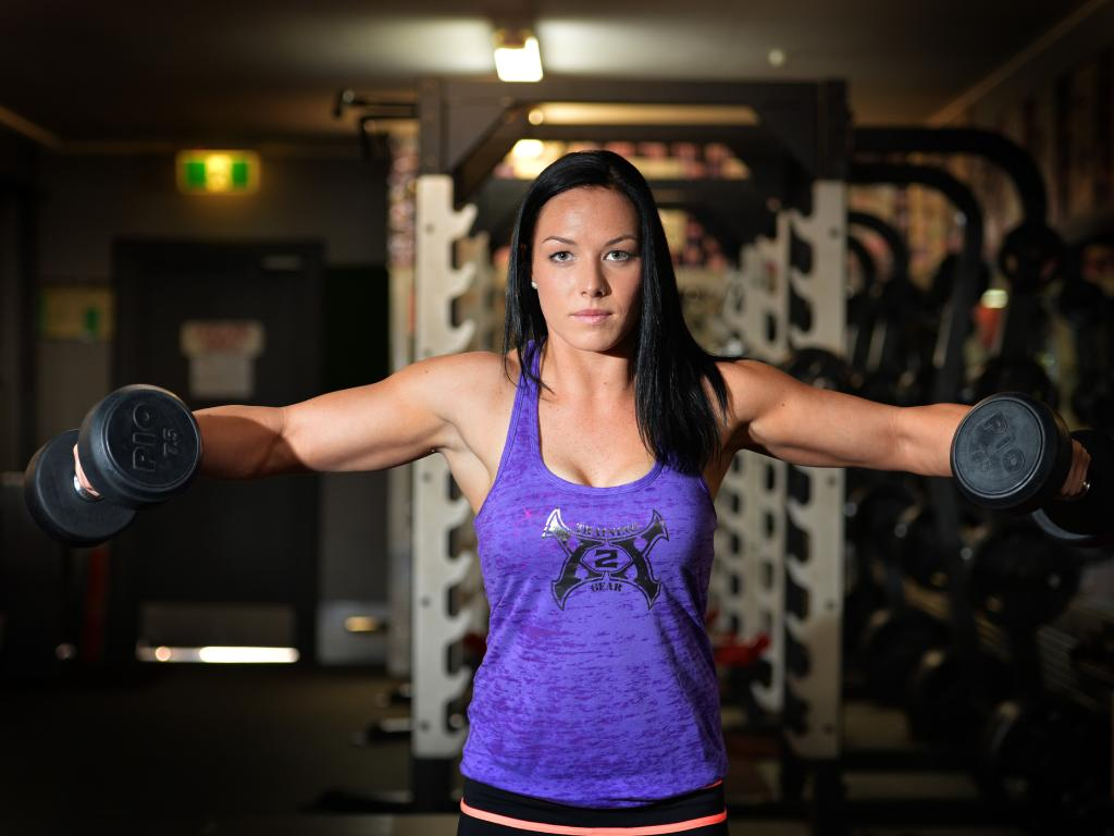 Leigh Holland-Keen works as a nurse in Townsville when she's not breaking records with her amazing strength.