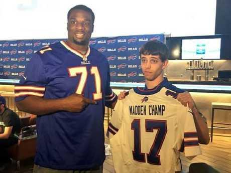 Last February, David Katz won the Madden 17 Championship. A tweet shared by the Buffalo Bills American football team shows him posing with a 'Madden Champ' shirt.