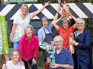 Tinbeerwah's Gumboil Road boasts creative lot of artists