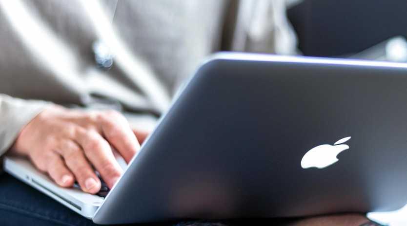 laptop, generic, computer, apple, man, internet, copyright free