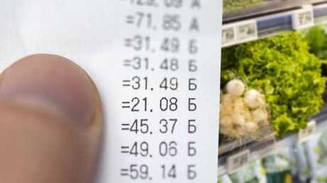 How Roh halved her grocery shop bill with this dietary change.