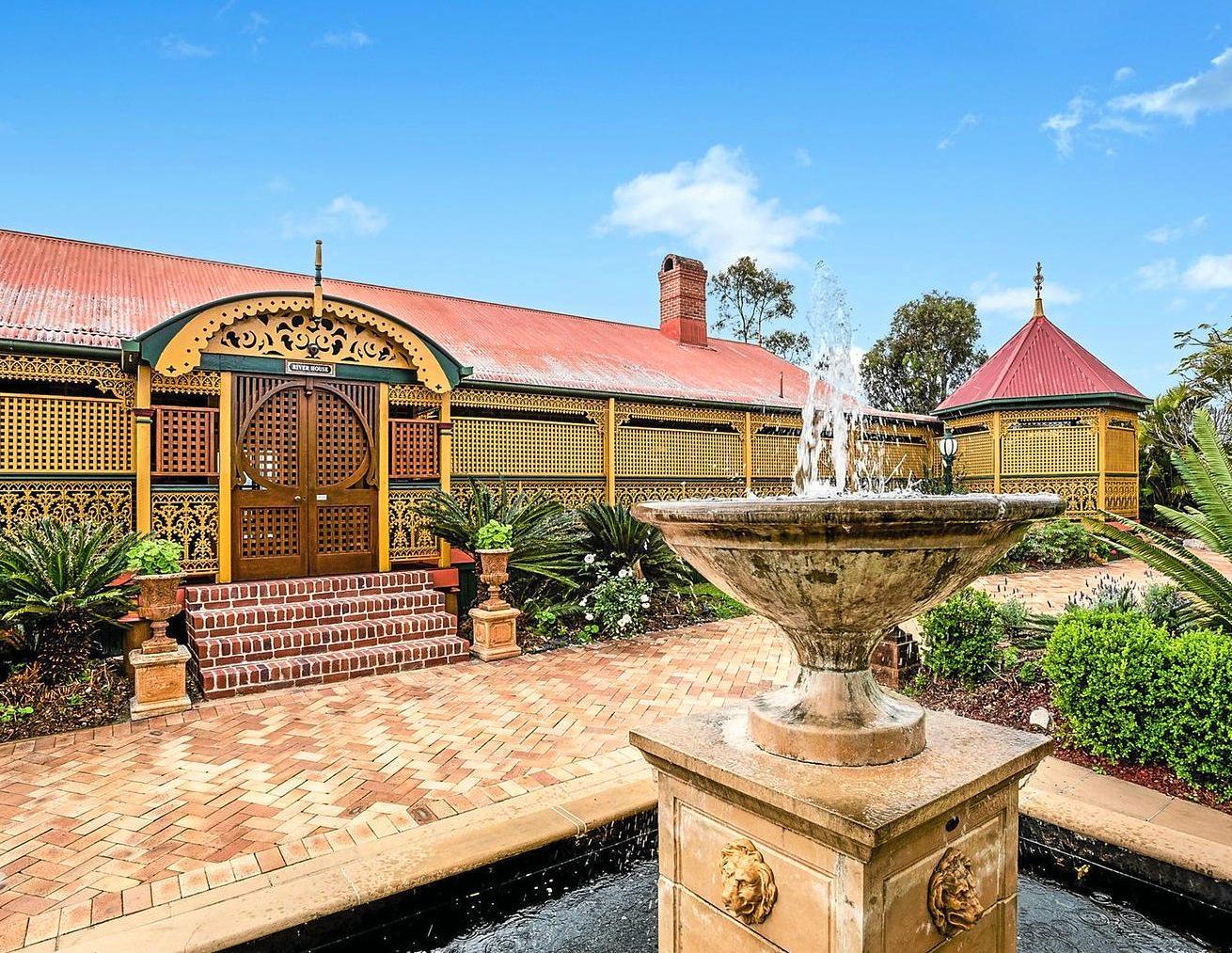 This landmark family residence at Chuwar has sweeping views of the Brisbane River.