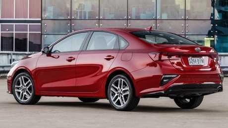Cerato sedan: Sleek silhouette and strong bodywork