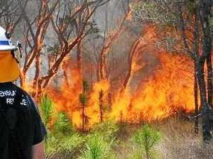Lightning ignites mystery bush fire at Bay