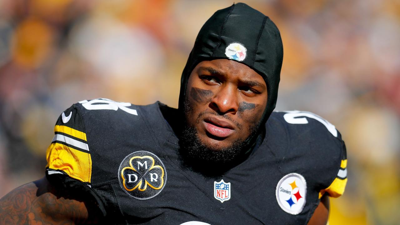 Le'Veon Bell has upset his teammates at Pittsburgh.