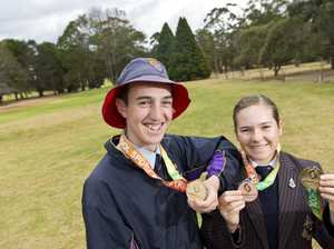 Golf siblings hit gold