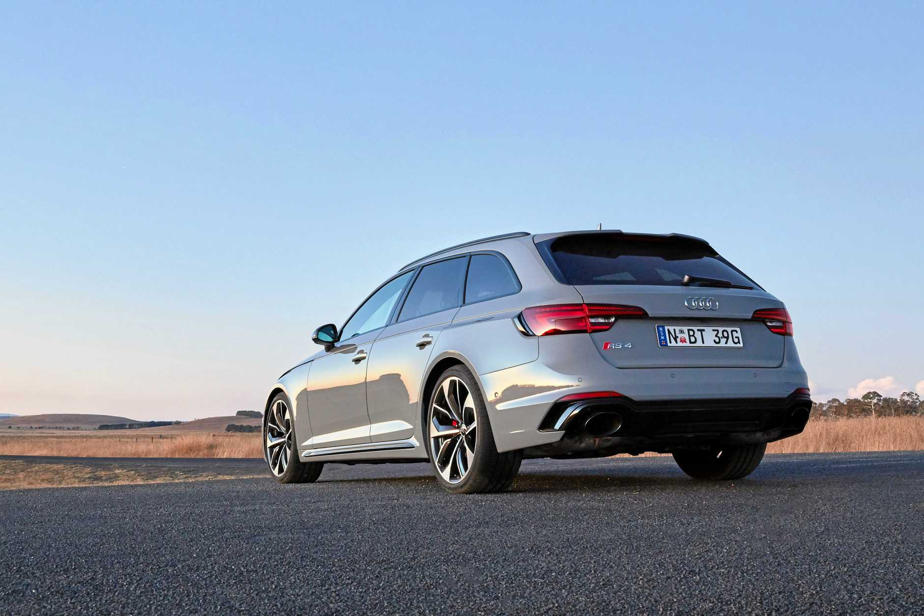 The brilliant 2018 Audi RS 4 Avant, powered by a twin-turbo V6