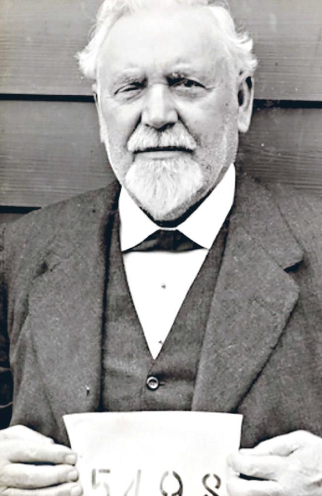 Edmund Resch was a pioneer of the very first activity of beer brewing in Australia. He was interned om Holsworthy camp. Here is aged 70. He died just six years later.