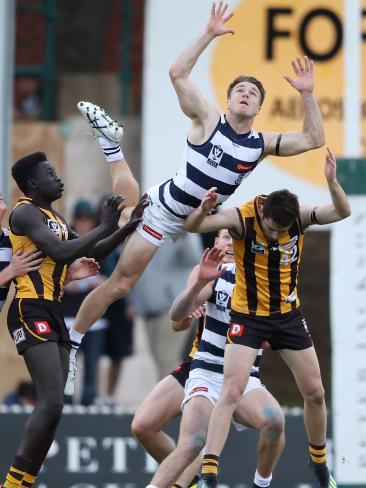 Lincoln McCarthy of Geelong attempts to mark during the VFL semi final. Photo: Scott Barbour/AFL Media/Getty Images
