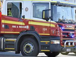 Fire crews battle huge blaze on Bruce Hwy, near Gladstone
