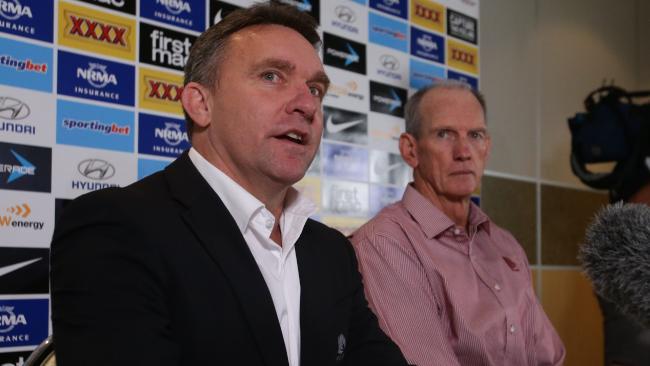 Broncos CEO Paul White (left) and coach Wayne Bennett. Photo: Peter Wallis