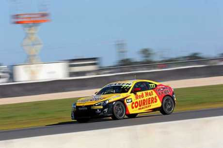 Mackay teenager Declan Fraser will race in Melbourne this weekend for Round 4 of the Toyota 86 racing series.