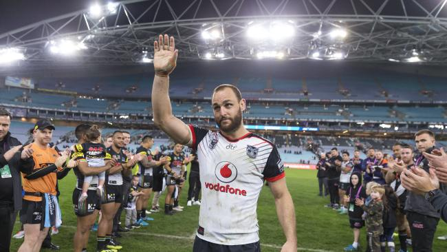 Club legend Simon Mannering played his last season in the NRL. (AAP Image/Craig Golding)