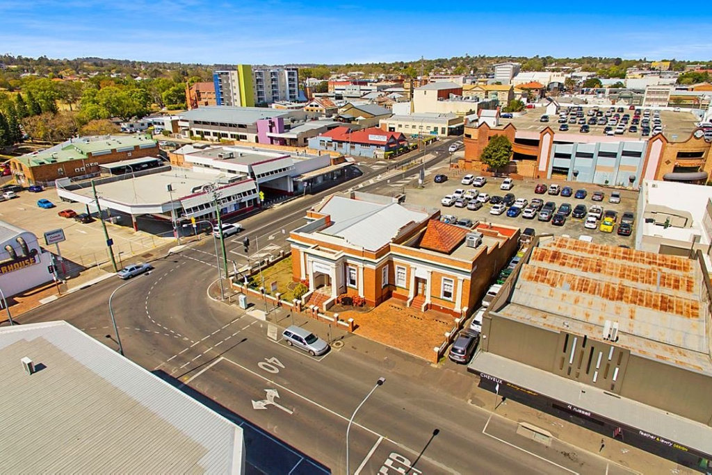 2 Russell St, Toowoomba, has sold for $1.1m