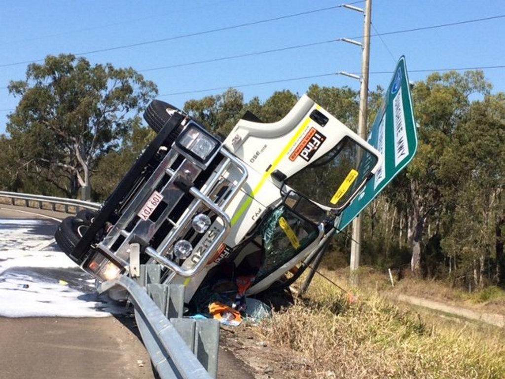 CRASH: Truck rollover on Sunshine Motorway at Mountain Creek.