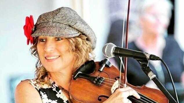 Amazing fiddle player Carolyn Trengrove is sought after by many bands. She will appear at Wintermoon Springfest with headliners Jigzag and the Dave Flower Band.