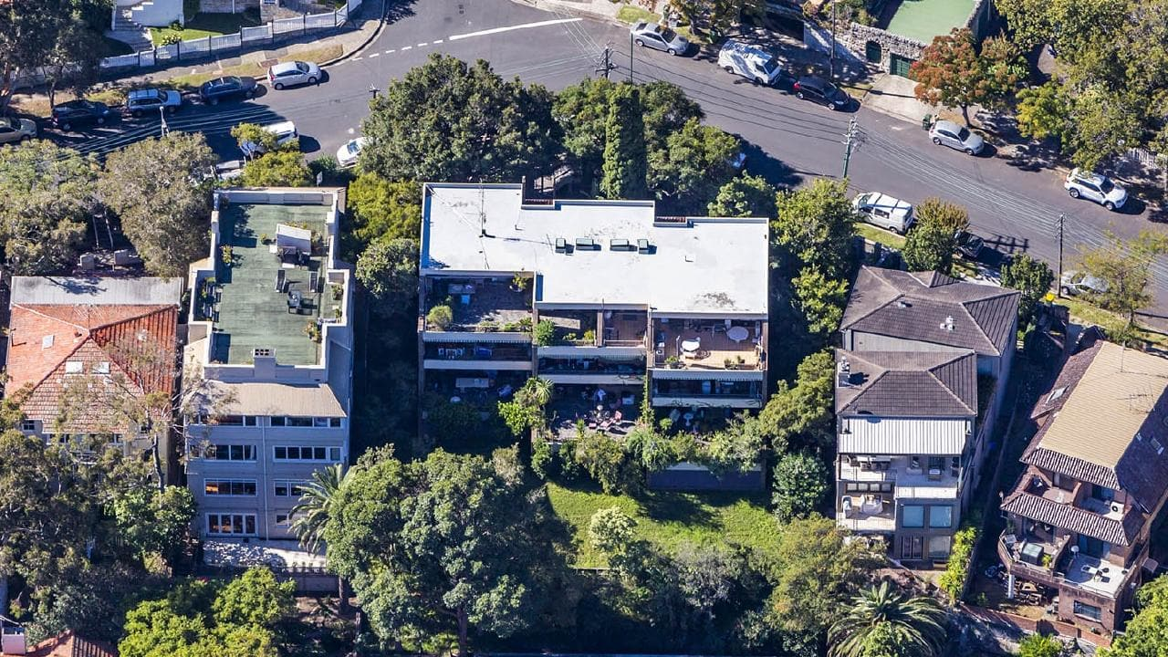 The eight apartment owners at 85 Kurraba Rd have sold their apartment block to developers for more than $20 million.