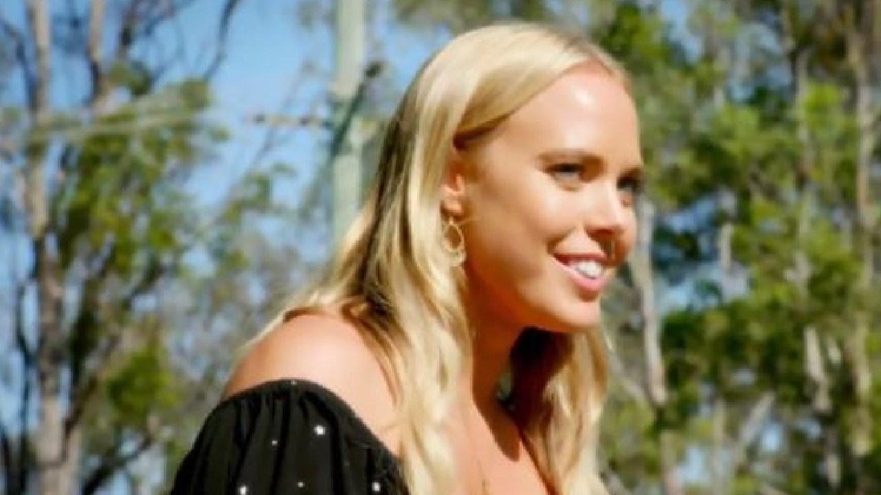 Poor Cass finally gets her single date — let's hope it doesn't end in heartbreak!