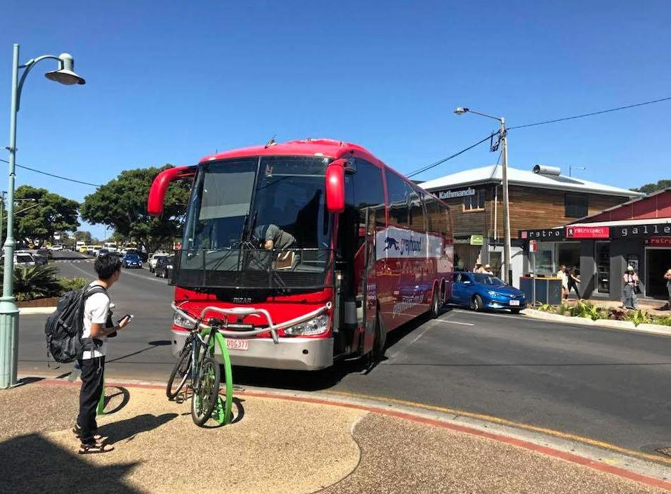 A bus broke down in Byron Bay. Image from Reif Hand? on Facebook.